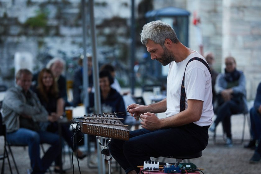 Austria / Kärnten / Klagenfurt / Lendhauer / Tage der Zeitgenössischen Musik 2020, Konzert Stefan Fraunberger, Hackbrett - Elektronik